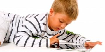 dječak_tablet_freedigital