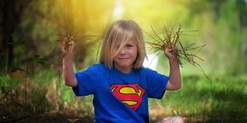 djecak_na otvorenom_sunce_pixabay