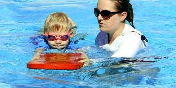 Učenje_plivanja_pixabay