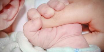 Novorođenče_i_mama