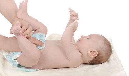 beba u pelenama_fotolia