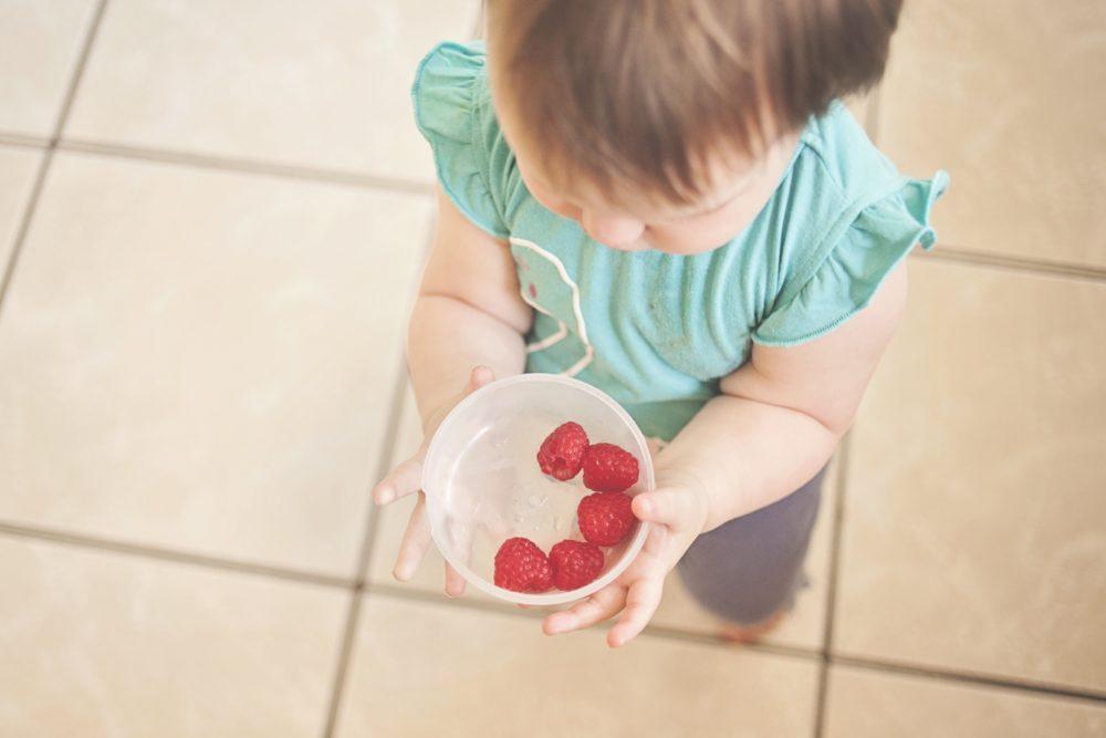 Iskušane roditeljske strategije kako klince navesti da jedu zdravo